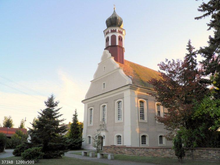 Kirche Reichwalde 2006.JPG - 373kB